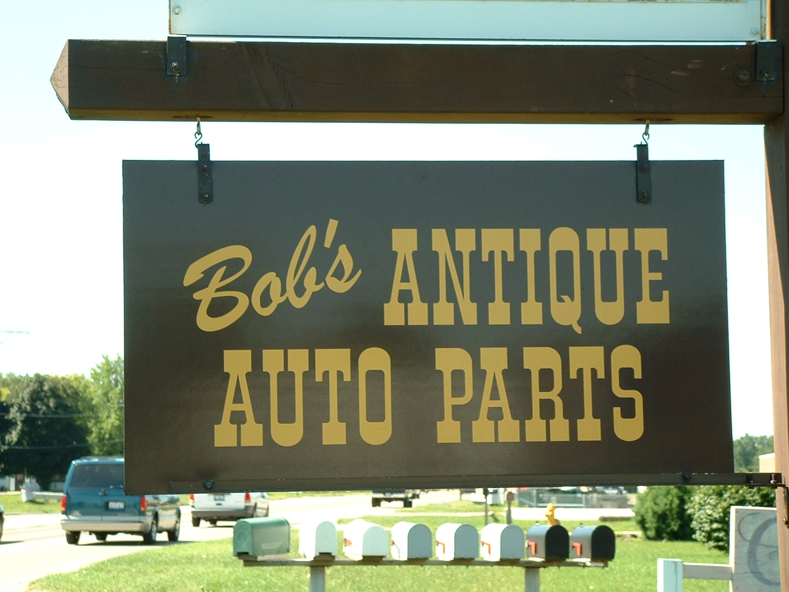 Bob's Antique Auto Parts